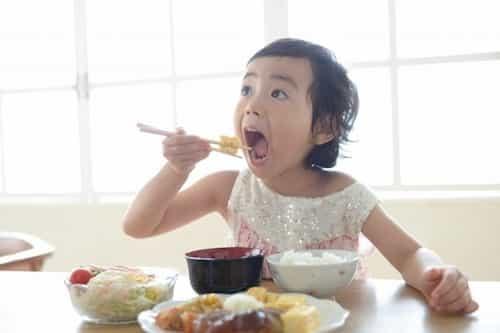 子ども,食事,箸